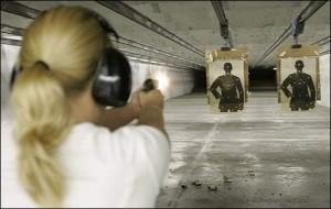 woman-shooting-at-the-range