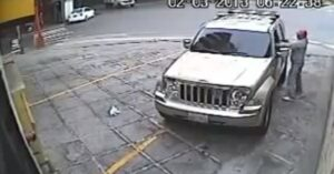 [VIDEO] Carjacker Gets Lead Instead Of Car, So, Leadjacker