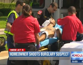 "[VIDEO] Homeowner Shoots Intruder Who After Being Shot, Begs And Says ""I Want To Call My Girlfriend"""