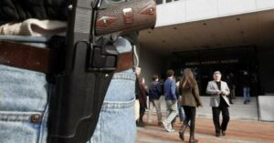 Why I Prefer Concealed: Man Robbed Of Gun He Was Openly Carrying