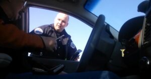 [VIDEO] Traffic Stop: Ohio Cop Praises Driver For Having His Concealed Carry Permit