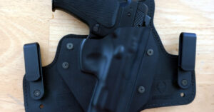 [HOLSTER REVIEW] Alien Gear Cloak Tuck 3.0 — A Differing Perspective On Everyday Carry