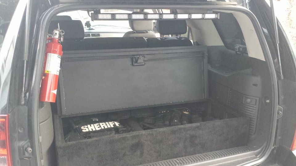 sheriff-leo-trunk-compartment