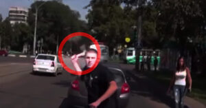 [VIDEO] What To Do In This Situation: Axe And Gun Attack Via Road Rage