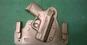 #DIGTHERIG – Ron and his S&W M&P Shield 40