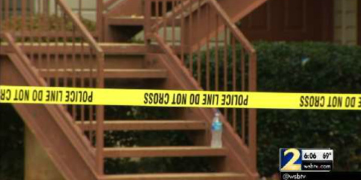 Apartment complex robbed two robbers shot dead
