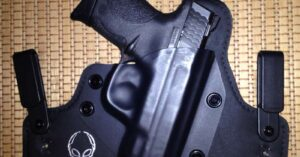 #DIGTHERIG – Ronnie and his S&W M&P Shield 9mm