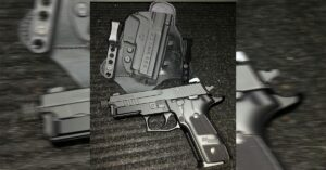 #DIGTHERIG – This Guy and his Sig Sauer P229 Elite Dark