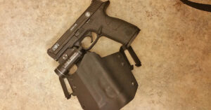#DIGTHERIG – Dion and his Smith & Wesson M&P9