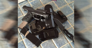 #DIGTHERIG – Jeff and his Springfield XDS 4.0″ .45 in the Summer and his Glock 19 Gen4 in the Winter