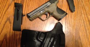 #DIGTHERIG – Derrick and his Smith & Wesson M&P 9c