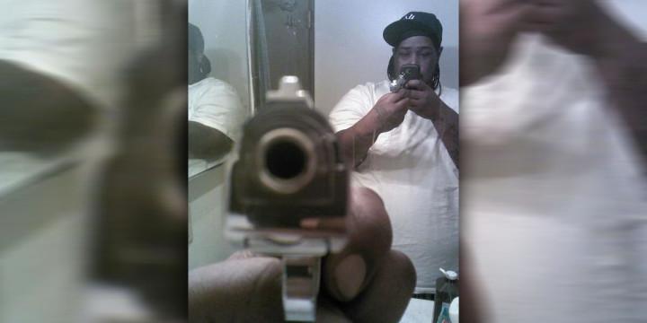 Gun selfie no fail