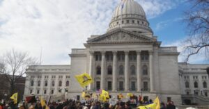 Wisconsin Dishes Out 300,000 Carry Permits In 5 Years, Blood Does Not Run In The Streets