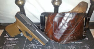 #DIGTHERIG – Zachary and his Glock 23 in a Big Ugly Leatherworks Holster