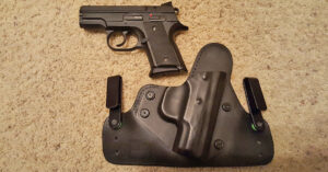 #DIGTHERIG – Steve and his CZ 2075 Rami 9mm in an Alien Gear Holster