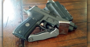 #DIGTHERIG – Eric and his Sig P226 Legion in a Blackpoint Leather Holster