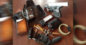#DIGTHERIG – Nate and this Springfield XDs 9mm in a White Hat Holster