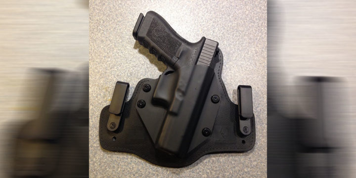 DIGTHERIG – Sam and his Glock 17, 22 or 20 in a Techna Clip