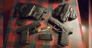 #DIGTHERIG – Billy and his Glock 43 and Glock 23 in an Alien Gear Holster and Desantis Holster