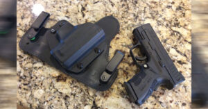#DIGTHERIG – Roger and his Springfield XD9 Sub Compact Mod 2 in an Alien Gear Holster