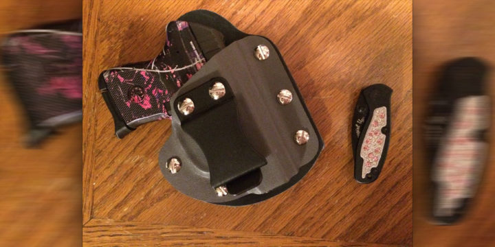 DIGTHERIG – Kathy and her Ruger LCP in a Raw Dog Tactical