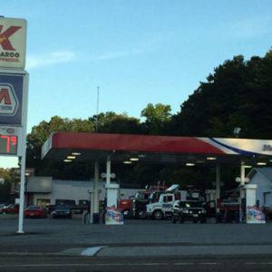 kangaroo-gas-station-hostage-situation