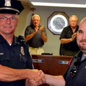 Concealed carrier rescues police officer