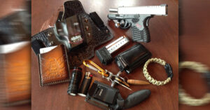 #DIGTHERIG – Nate and his Springfield XDs in a White Hat Holster