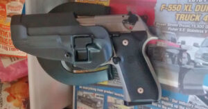 #DIGTHERIG – Gilbert and his Beretta 92FS in a Blackhawk Holster
