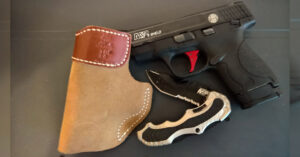 #DIGTHERIG – Tom and his Smith and Wesson M&P Shield 9mm in a DeSantis Holster