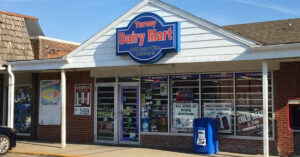 Convenience Store Employee Stops Armed Robber In His Tracks