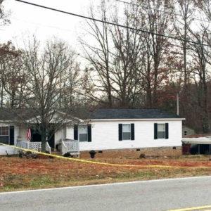 Homeowner shoot burglar in easley