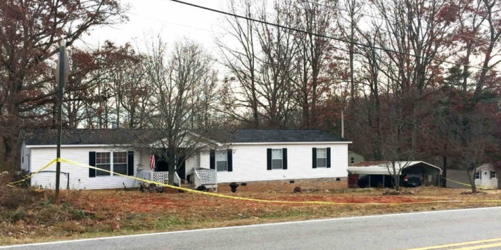 Homeowner shoot burglar in easley