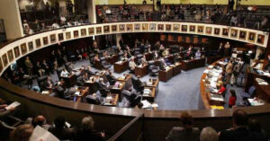 FL Looks At Courtroom Carry And Decriminalization Of Temporary Firearm Exposure