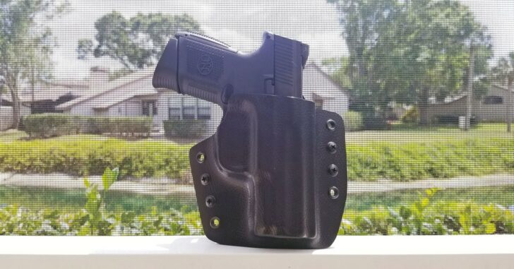 [HOLSTER REVIEW] Squared Away Customs Oscar OWB Holster (And Awesome New Dump Trays)