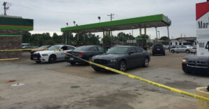 Off-Duty Officer Shoots At Suspects During Attempted Robbery