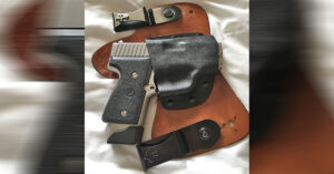 #DIGTHERIG – Stacy and her Kahr MK9 in a CrossBreed Holster