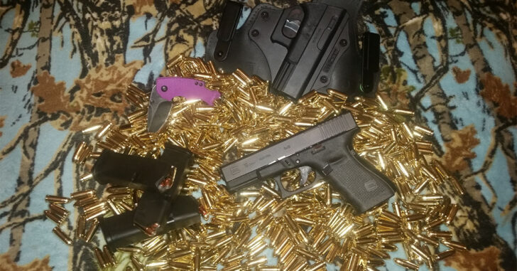 #DIGTHERIG – Ryan and his Glock 19 MOS in an Alien Gear Holster, Sitting On Top Of A Lot Of Ammo