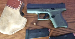 #DIGTHERIG – Peter and his Glock 43 in a Desantis Holster