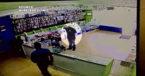 [VIDEO] Showdown Between Armed Clerk And Robber In Las Vegas, Armed Clerk Wins