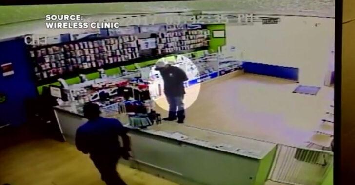 [VIDEO] Showdown Between Armed Clerk And Robber In Las Vegas, Armed Clerk Wins