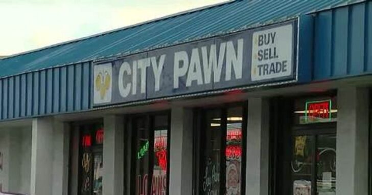 20-Year-Old Draws Two Guns On Pawn Shop Owner, Is Then Shot And Killed