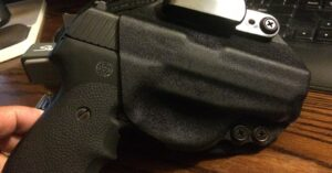 #DIGTHERIG – James and his Sig Sauer P239 in a StealthGearUSA Holster