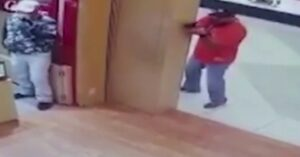 McAllen, TX Mall Robbery Mystery Man: Armed Citizen or Plain Clothes Cop?