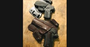 #DIGTHERIG – Preston and his Two Guns in Two Different Holsters