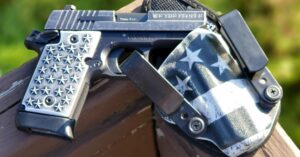 #DIGTHERIG – Ian and his Sig Sauer P938 in a StealthGearUSA Holster