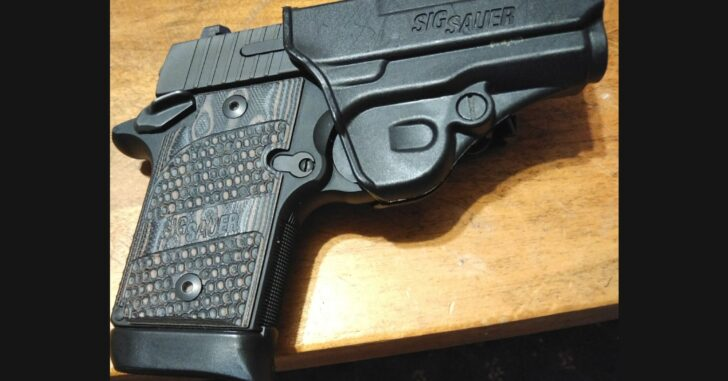 #DIGTHERIG – William and his Sig Sauer P938 in a Sig Holster