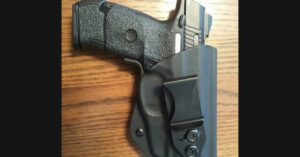#DIGTHERIG – Edd and his Ruger SR9c in a Vedder Holster