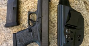 #DIGTHERIG – Shaun and his GLOCK 43 in a Vedder Holster
