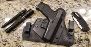 #DIGTHERIG – Scott and his GLOCK 43 in an Alien Gear Holster